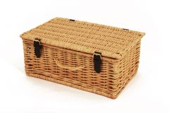 Small Wicker hamper (5 - 6 items)